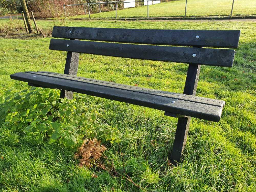 greenmatter park bench (2)