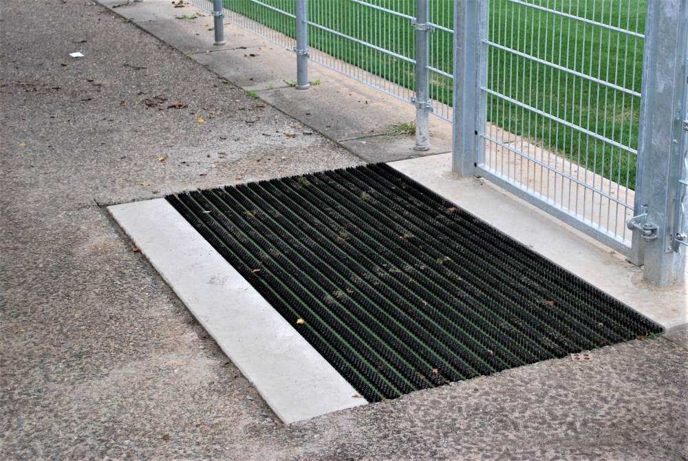 betonplaat geintegreerde borstelmat